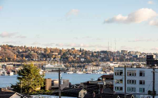 View of Lake Union from the Rooftop Deck of the Twin II Duplex in East Queen Anne