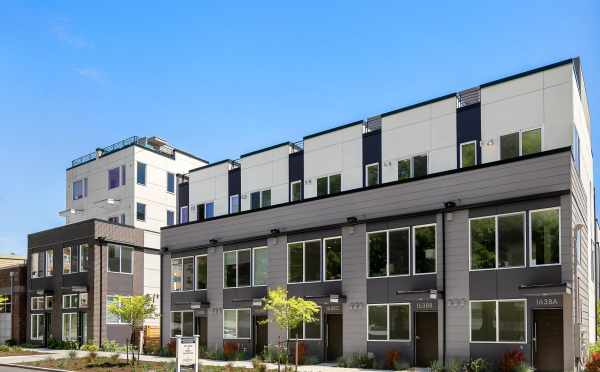 Front Exterior of the Avani Townhomes by Isola Homes at 1638 20th Ave in Seattle