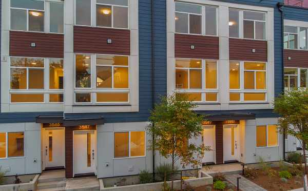 Northern Building at Lucca Townhomes